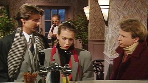 Szene aus GZSZ: Wolfgang Bahro mit Sandra Keller und Alexander Kiersch