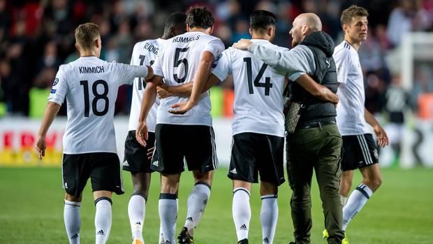 DFB-Spieler nach dem WM-Qualifikationsspiel gegen Tschechien