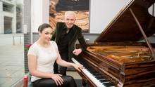 Scooter und Pianistin Olga Scheps in der Steinway Lounge in Hamburg