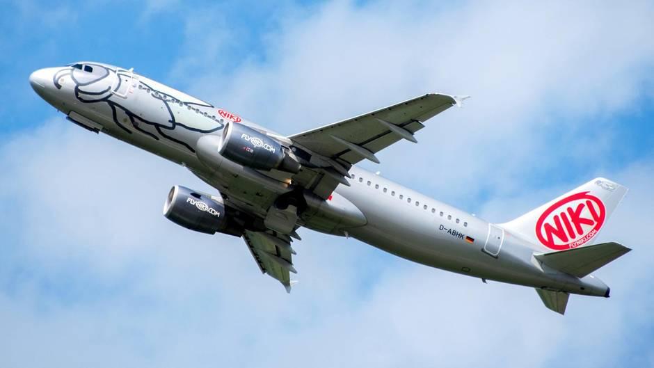 Ein Flugzeug der Airline Niki: Lufthansa hat sein Angebot für das Unternehmen zurückgezogen