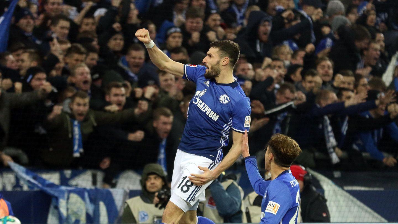 aniel Caligiuri von Schalke 04 bejubelt ein Tor in der Fußball-Bundesliga