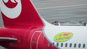 Heck eines Air Berlin-Flugzeug mit Aufdruck der Tochter-Airline Niki