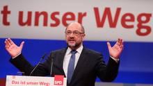 SPD-Chef Martin Schulz am Rednerpult: Auf diese elf Punkte kommt es ihn