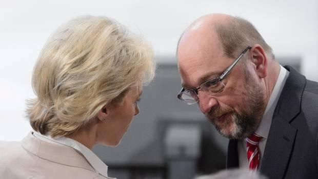 VErteidigungsministerin von der LEyen mit SPD-Chef Martin Schulz