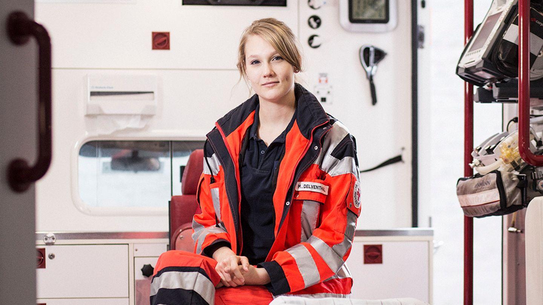 Melina Delventhal in ihrer Arbeitskleidung