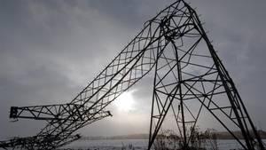 Umgeknickte Strommasten im Münsterland führten zu Stromausfall
