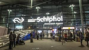 """""""Mit dem Messer gedroht"""": Militärpolizisten schießen auf Mann am Amsterdamer Flughafen"""