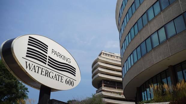 Nachrichten: Aufgebrochenes Watergate-Türschloss für 62.500 Dollar versteigert