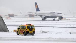 Wintereinbruch am Frankfurter Flughafen: 170 Flüge annuliert