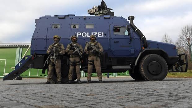 """Das Polizei-Spezialfahrzeug """"Survivor"""" in Sachsen"""