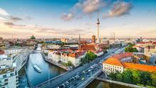 Auch innerhalb Berlins gibt es ein West-Ost-Gefälle. Für das ehemalige Ost-Berlin nennt die Studie eine Vergleichsmiete von 6,40 Euro, im Westteil der Stadt sind es 7,08 Euro.