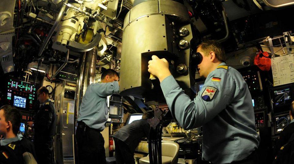An Bord eines Boots vom Typ 212A.
