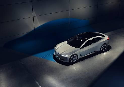 BMW i Vision Dynamics - Star auf der IAA 2017