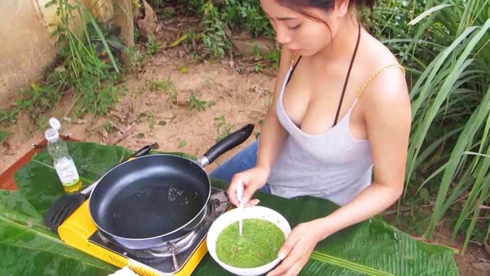Sexy Streetfood: Thailänderin verdreht mit ihren Rezepten allen den Kopf
