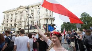 EU-Komission tagt zu Polens Justizreform: Straßenproteste gegen die neue Justizreform in Warschau, Polen