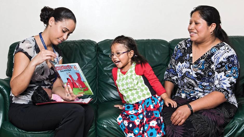 Fernsehen zählt nicht: So viele Wörter sollten Kinder am Tag hören