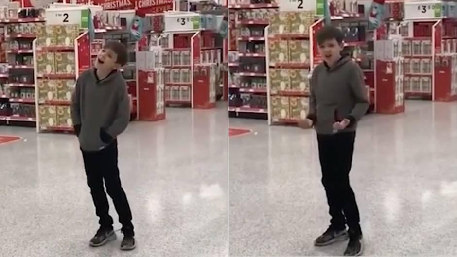 Berührendes Weihnachtsmärchen: Zehnjähriger Autist singt in Supermarkt - jetzt winkt ihm ein Plattenvertrag