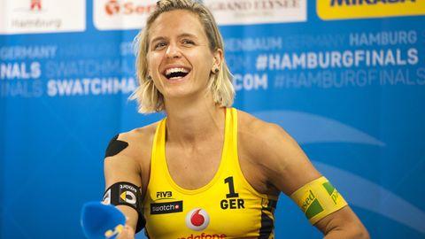 Beachvolleyball-Olympiasiegerin Laura Ludwig bei einer Pressekonferenz