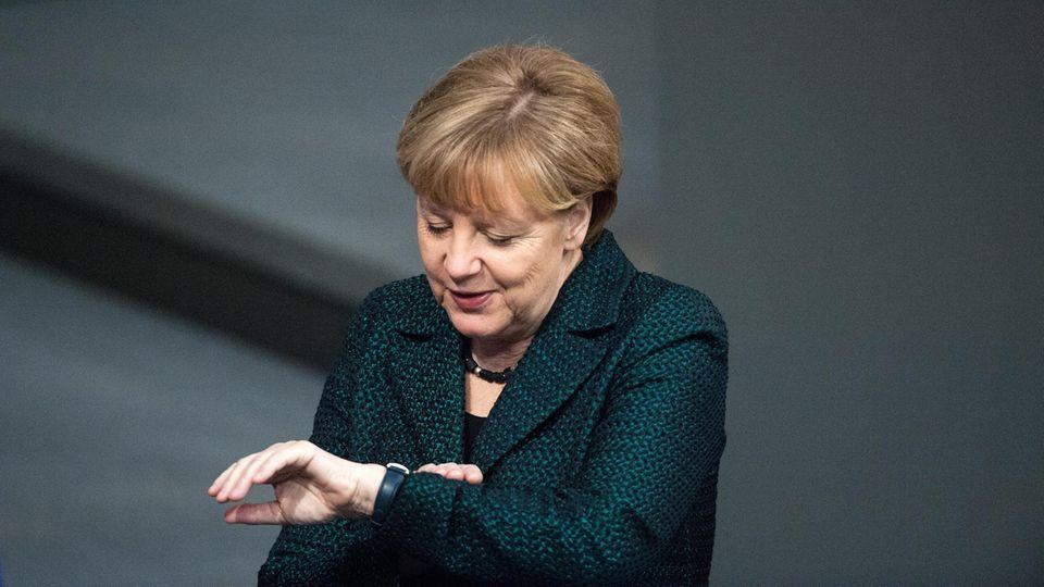 Kanzlerin knapp dran: Warum Angela Merkel die Zeit davonläuft