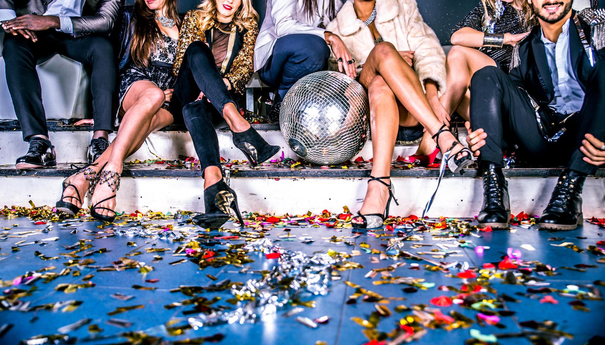 Silvester: Wieso wir jedes Jahr aufs Neue enttäuscht sind | NEON