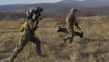 """Mit der Javelin - """"Wurfspeer"""" - bleibt das Team beweglich."""