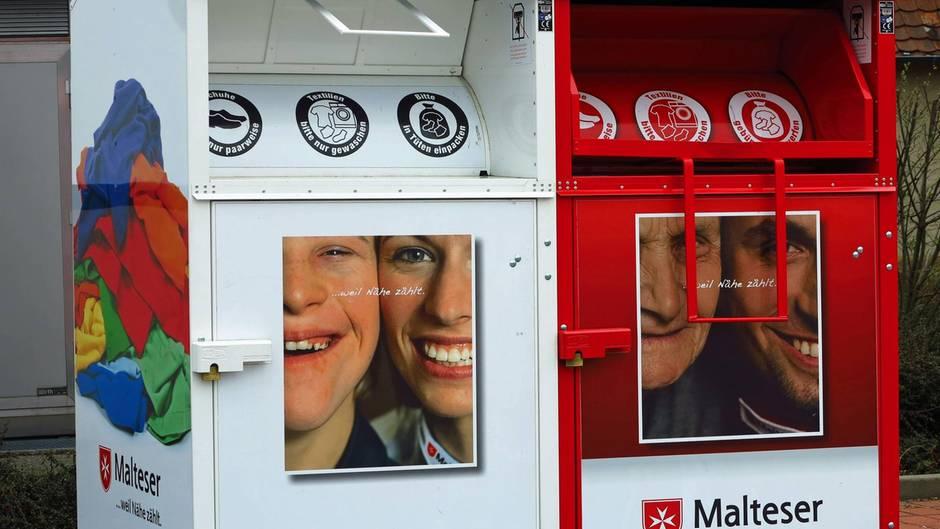 Wetzlar: Mann bleibt in Altkleidercontainer stecken und stirbt