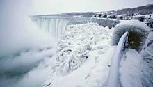 Niagara-Fälle sind vereist