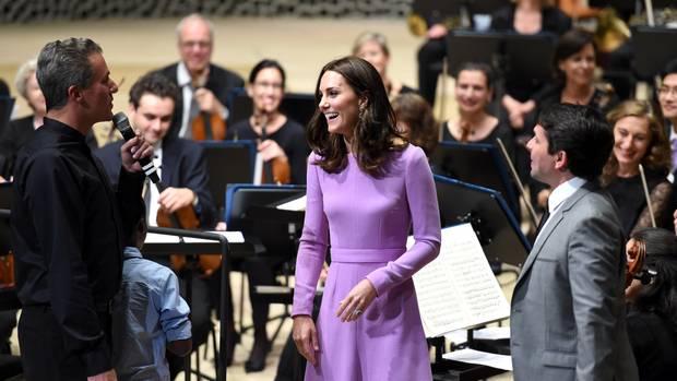 Königliche Hoheit: Im Juli besuchte das britische Prinzenpaar die Stadt Hamburg. Herzogin Kate bildete für einen Moment das strahlende Zentrum des Konzertsaals