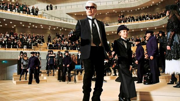 Auftritt des Modekaisers: Karl Lagerfeld am Nikolausabend 2017
