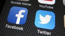 Die sozialen Netzwerke Facebook und Twitter gehen unterschiedlich mit dem neuen Netzwerkdurchsetzungsgesetz (NetzDG) um