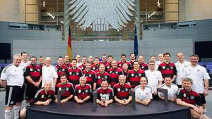 Der FC Bundestag im Plenarsaal des Bundestags in Berlin.