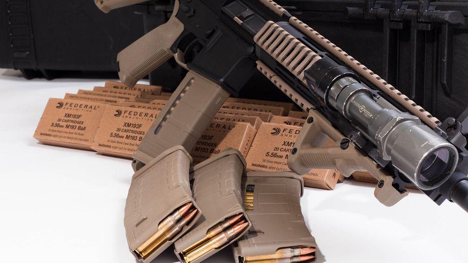 Waffen-Tuning: Die AR-15 lässt sich durch das große Angebot an Zubehör extrem individualisieren.