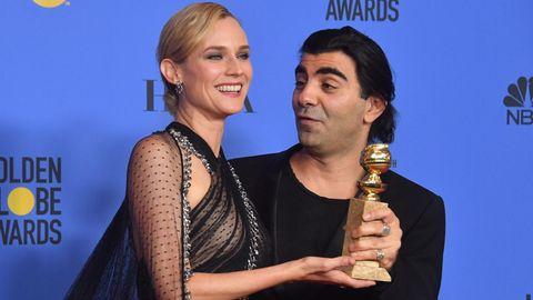 Stolz präsentieren sie ihren Golden Globe: Hauptdarstellerin Diane Kruger und Regisseur Fatih Akin