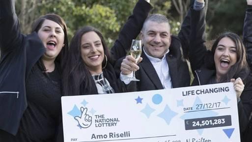 Jackpot geknackt: Nach schwerem Schicksalsschlag: Taxifahrer gewinnt 24 Millionen Pfund im Lotto