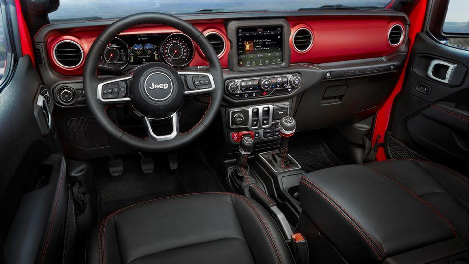 Neuseeland - Das Wrangler-Cockpit wirkt hochwertiger und moderner als bisher - ohne den rauen Charakter zu verlieren.