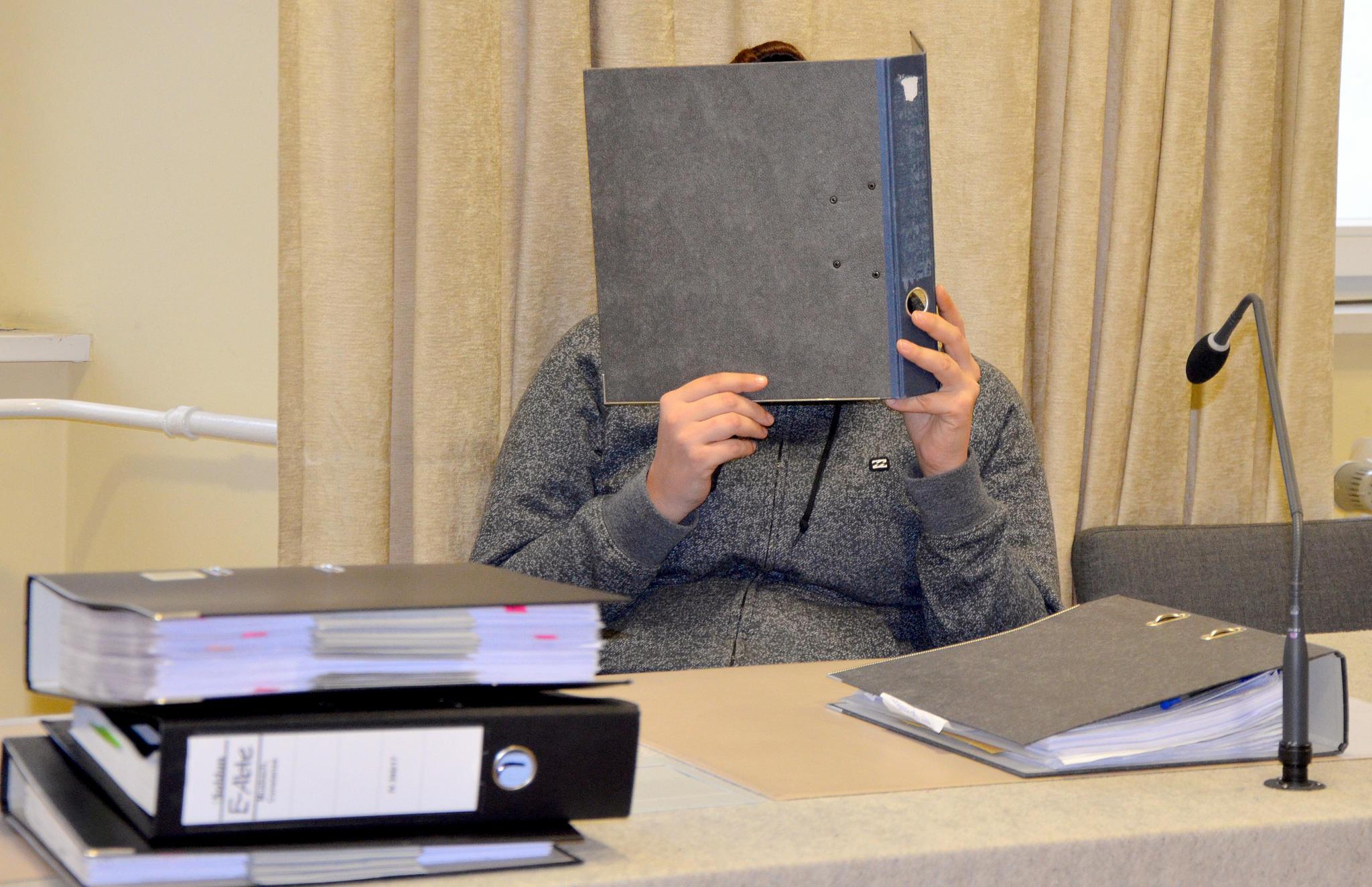 News Ravensburg Baby mit Küchenpapier erstickt 23 Jährige muss