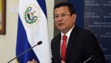 El Salvadors Außenminister reagiert auf Aufhebung des Schutzstatus in den USA