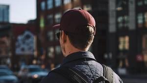 Viele junge Menschen können gar nicht mehr ohne ihre Kopfhörer.