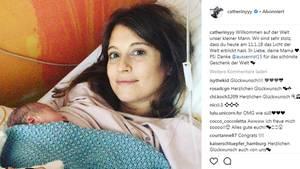 Cathy Hummels zeigt auf Instagram ihr Baby
