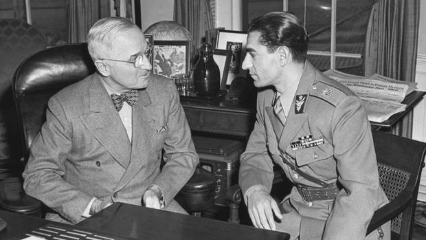 US-Präsident Harry S. Truman mit dem Schah des Iran 1949 im Oval Office
