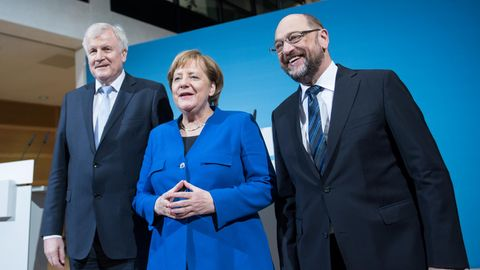 Horst Seehofer (CSU), Angela Merkel (CDU) und Marin Schulz (SPD) nach den Sondierungen
