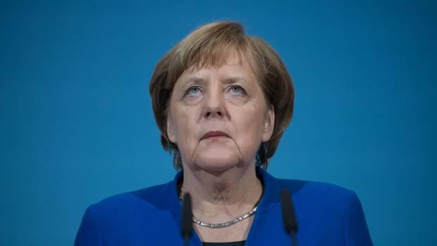 Kanzlerin Angela Merkel dürfte den Streit in der SPD interessiert verfolgen. Schließlich will die Kanzlerin mit den Genossen eine funktionsfährige Regierung bilden.