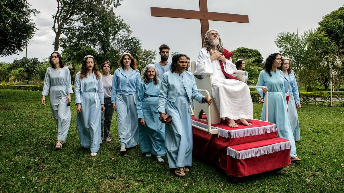 -The-Last-Testament-Eine-Heerschar-von-Anh-ngern-Diese-sieben-M-nner-halten-sich-f-r-Jesus