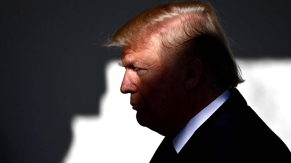 Donald Trump Regenschirm