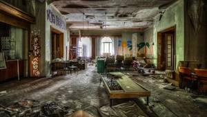 """FDGB-Heim """"Max Niklas""""  Während der DDR diente das Gebäude dem Freien Deutschen Gewerkschaftsbund (FDGB), einem Dachverband vieler Einzelgewerkschaften, als Ferienheim."""