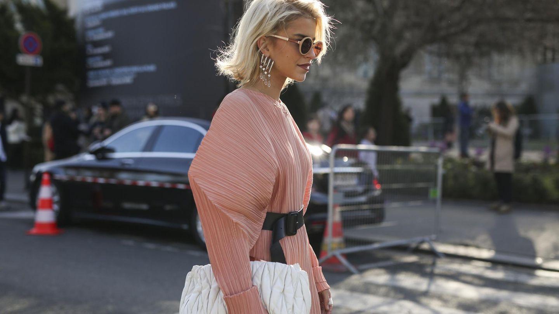 Die Modebloggerin Caro Daur in einem teuren Designer-Kleid