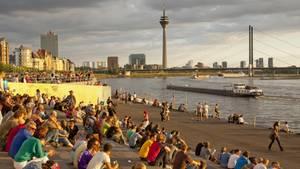 Düsseldorf Rheinpromenade