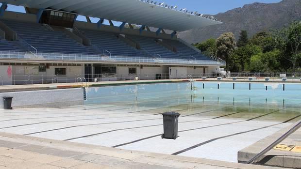 Ein seit Wochen geschlossenes Schwimmbad in Newslands, einem Vorort von Kapstadt.