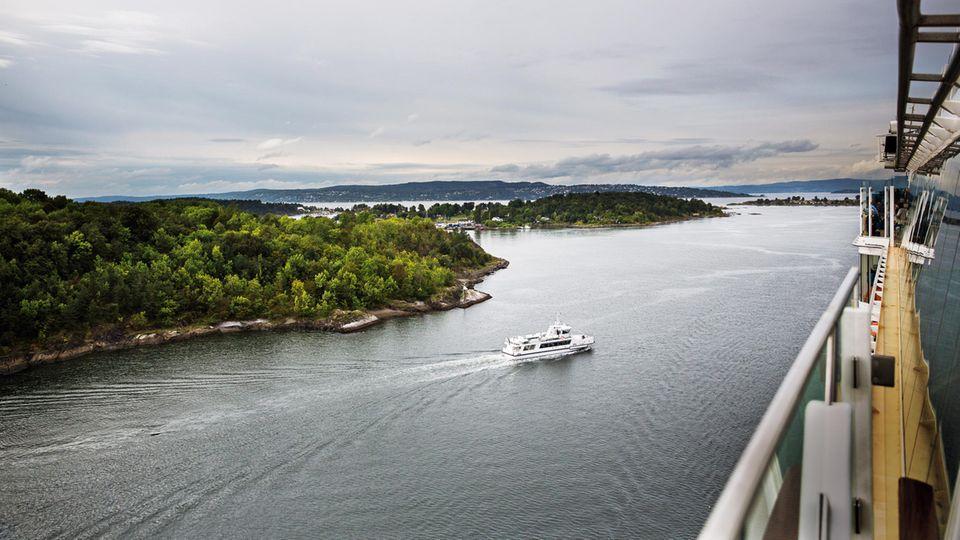"""Stiller Augenblick: Nach einer langen Nacht steuert die """"Mein Schiff 3"""" Oslo an"""