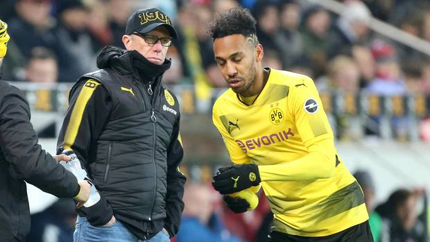 Scheint beim BVB auf dem Absprung zu sein: Stürmerstar Pierre-Emerick Aubameyang (r.) vor Coach Peter Stöger